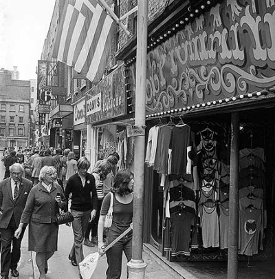 22 Carnaby Street 1971 - Donis.jpg