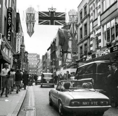 33-34 Carnaby Street 1968.jpg