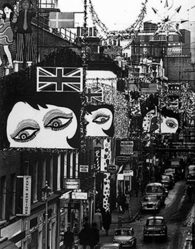 Carnaby Street 1967 - Christmas.jpg