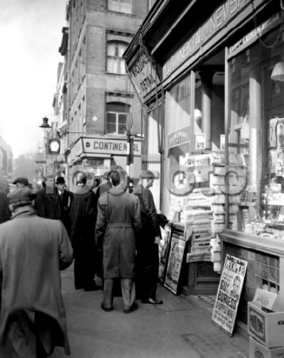 24 Frith Street 1956 19th March - A continental bookshop.jpg