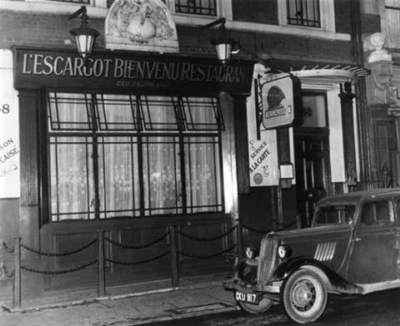 48 Greek Street 1957 - Restaurant l'Escargot.jpg. Click on the picture to enlarge