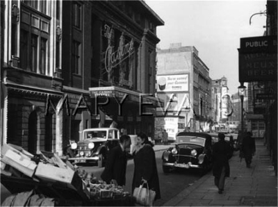 22-28 Old Compton Street 1947 - Casino Theatre.jpg