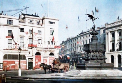 Piccadilly Circus 1918.jpg