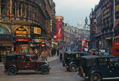 Piccadilly Circus 1949.jpg