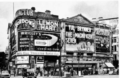 Piccadilly Circus 1961 - London Pavilion.jpg