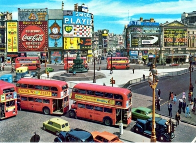 Piccadilly Circus 1963.jpg