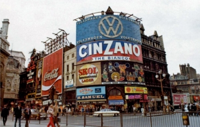 Piccadilly Circus 1973 0.jpg